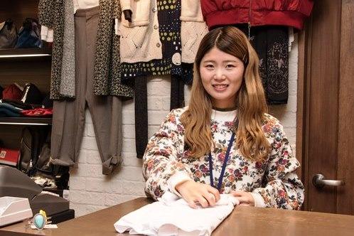 店舗でのファッションアドバイザー業務